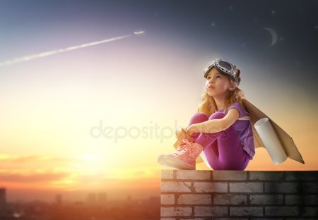 depositphotos_78183956-stock-photo-astronaut